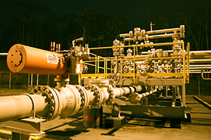 Protective Epoxy Coatings For Oil and Gas Pipelines | MasterBond com